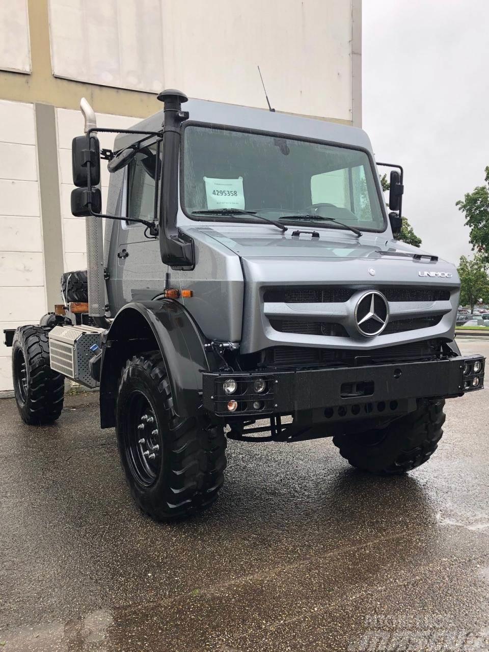 Mercedes-Benz Unimog U 4023