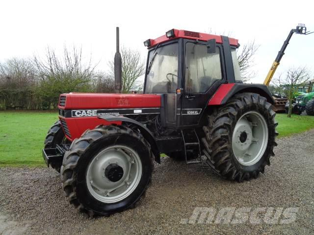 Case IH 1056 XL 4wd tractor