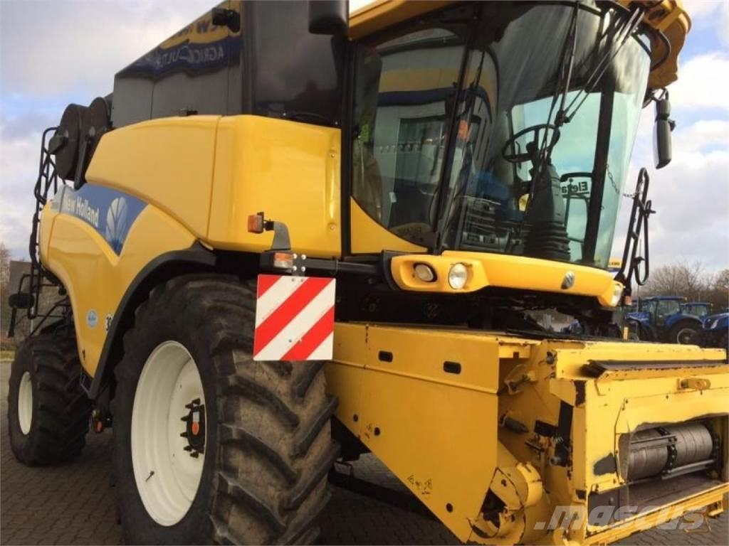 New Holland CR9090Elevation