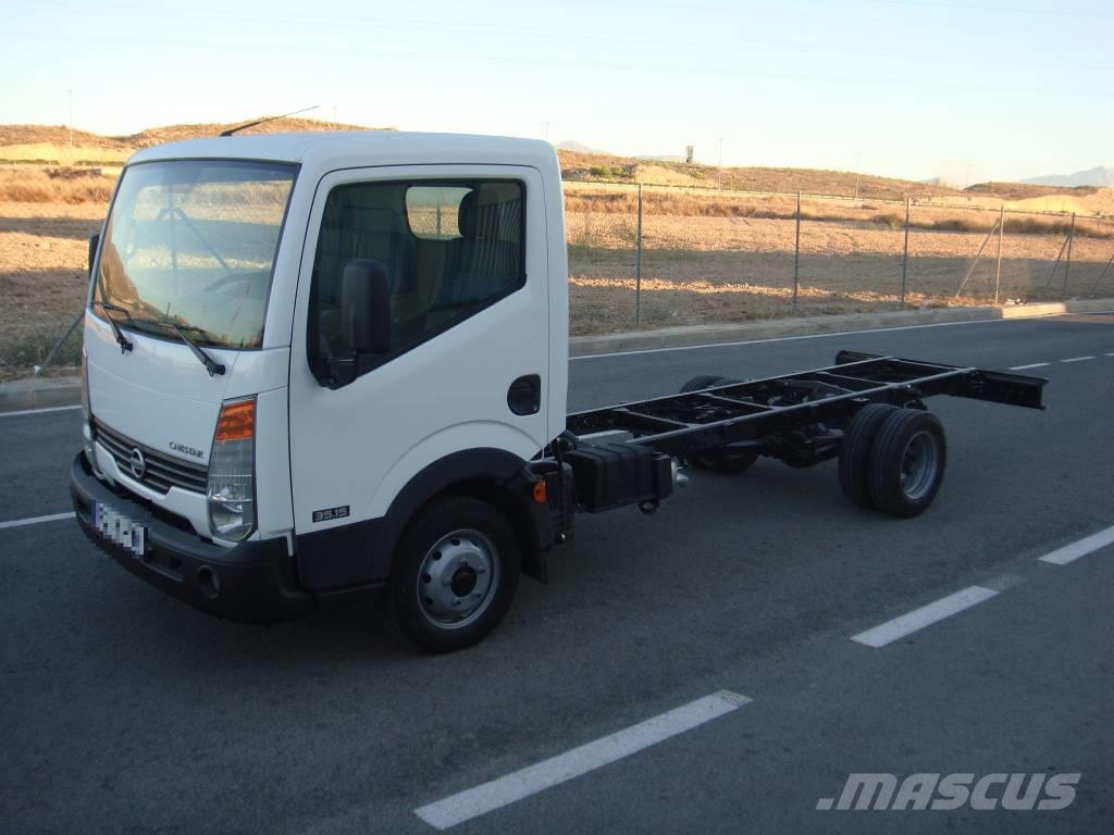Nissan CABSTAR 35.15 EN CHASIS ¡¡SOLO 54.000 KM!!