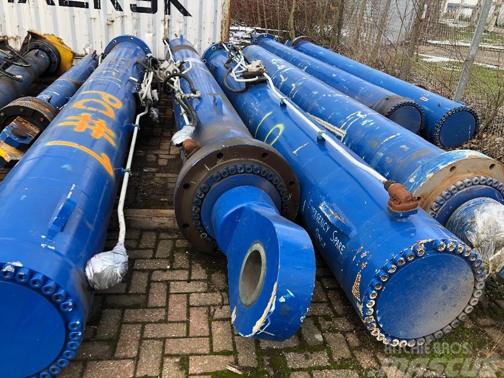 [Other] Hydraulic cylinders