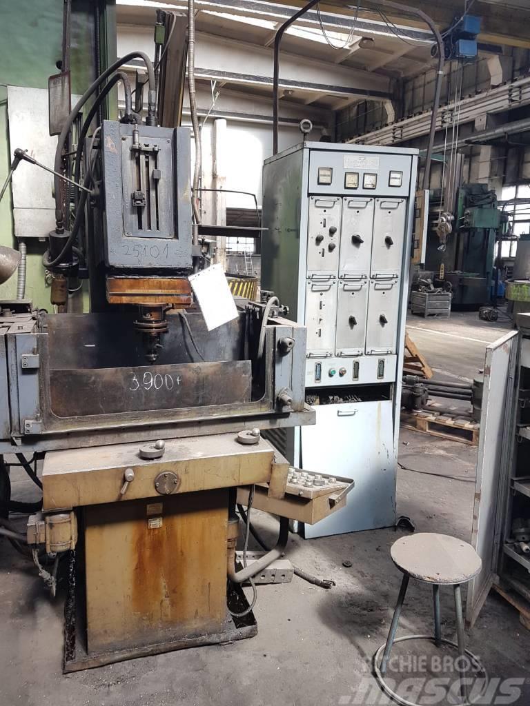 Masina de prelucrat prin electroeroziune ELER-02