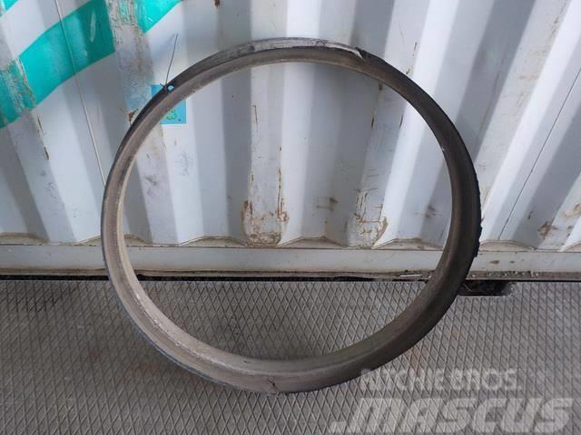 Volvo FH Wind tunnel collar 20542699 20440655
