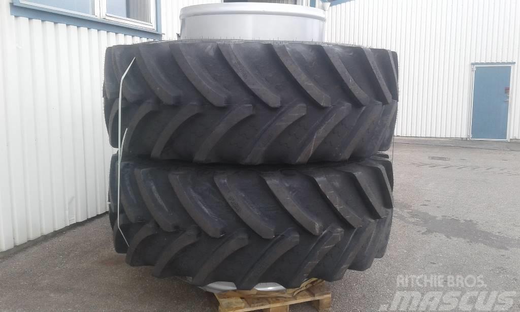 Nytt Dubbelmontage 710/75R42 Stocks med BKT däck