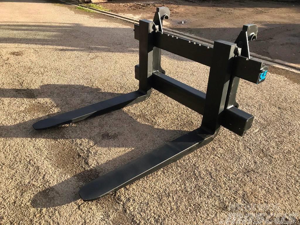 [Other] SE / Volvo 11 ton pallet forks