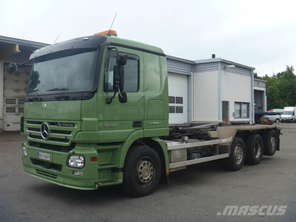 Used mercedes benz actros 3244 8x2 tow trucks wreckers for Mercedes benz actros usa