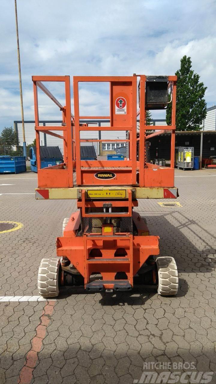 Holland Lift Y83EL16