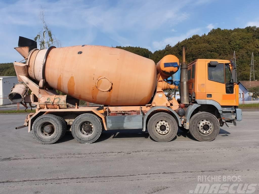 Iveco EUROTRAKKER 340EH37E 8x4 beton mixer
