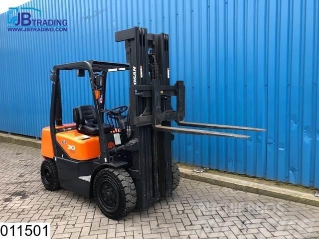 Doosan D30 Max H 5,60 mtr, Max 3000 kg, 35 KW, 490 Hours