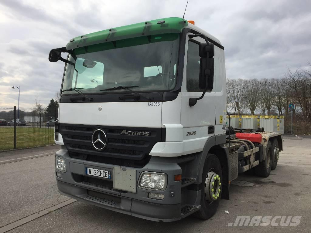 mercedes benz actros 2536 occasion prix 42 000 ann e d 39 immatriculation 2010 camion. Black Bedroom Furniture Sets. Home Design Ideas