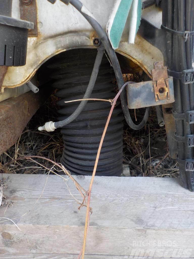 Mercedes-Benz Atego MPI Steering shaft 9404600609 9404600509 940