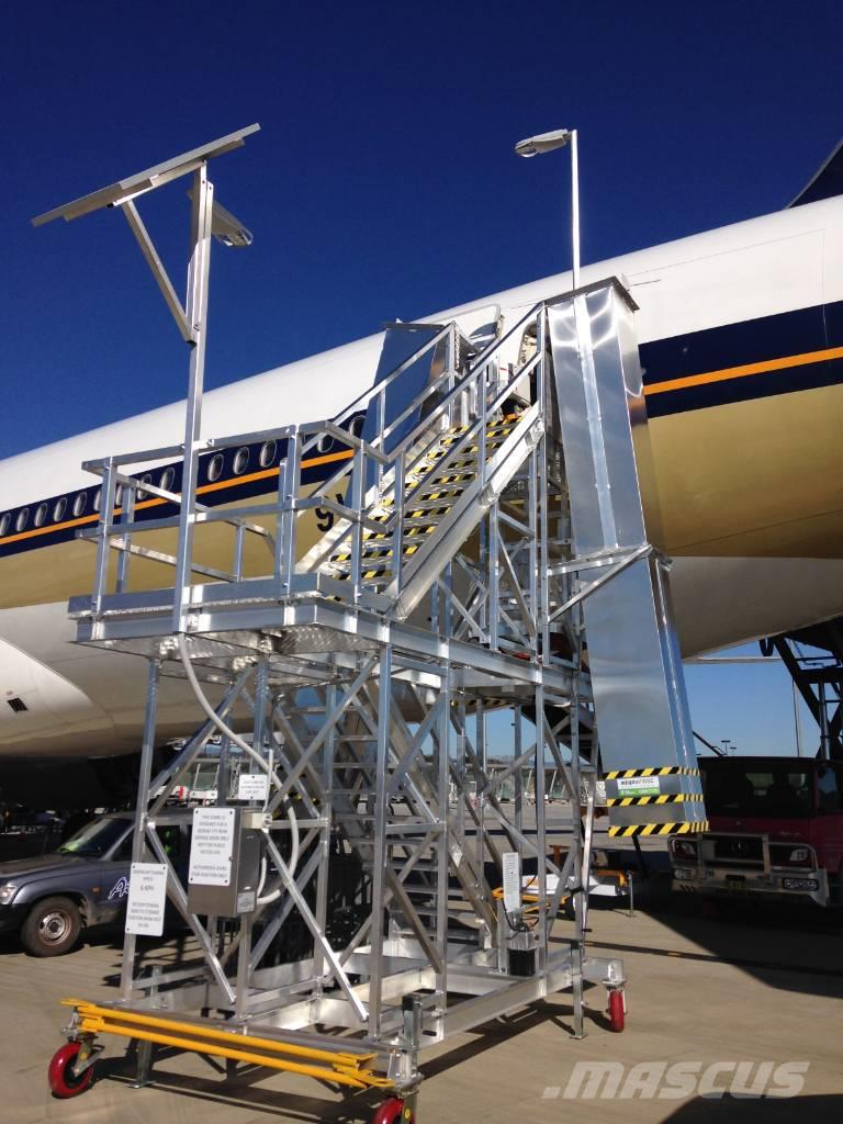 [Other] QUICK ALLY B777 Rear Service Stairs