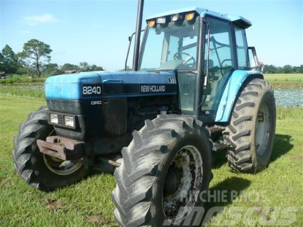 New Holland 8240