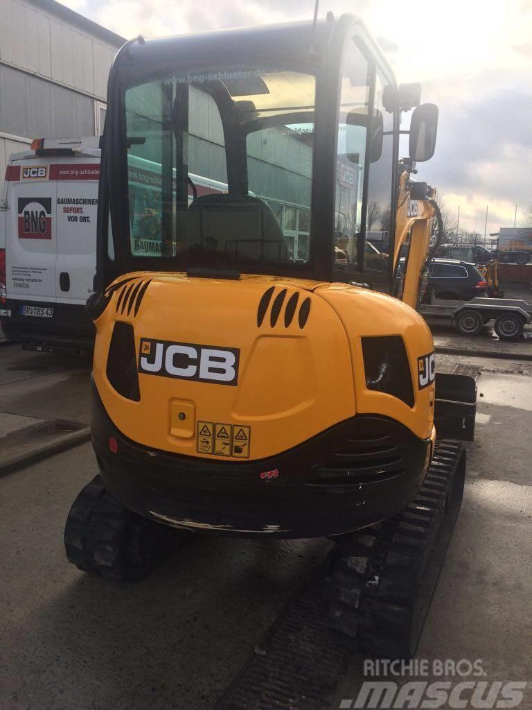 JCB 8026