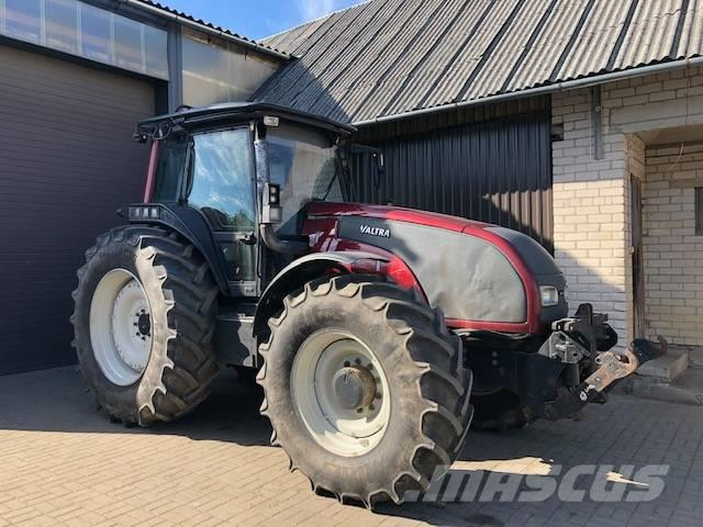 Valtra T170 with FOREST EQUIPMENT