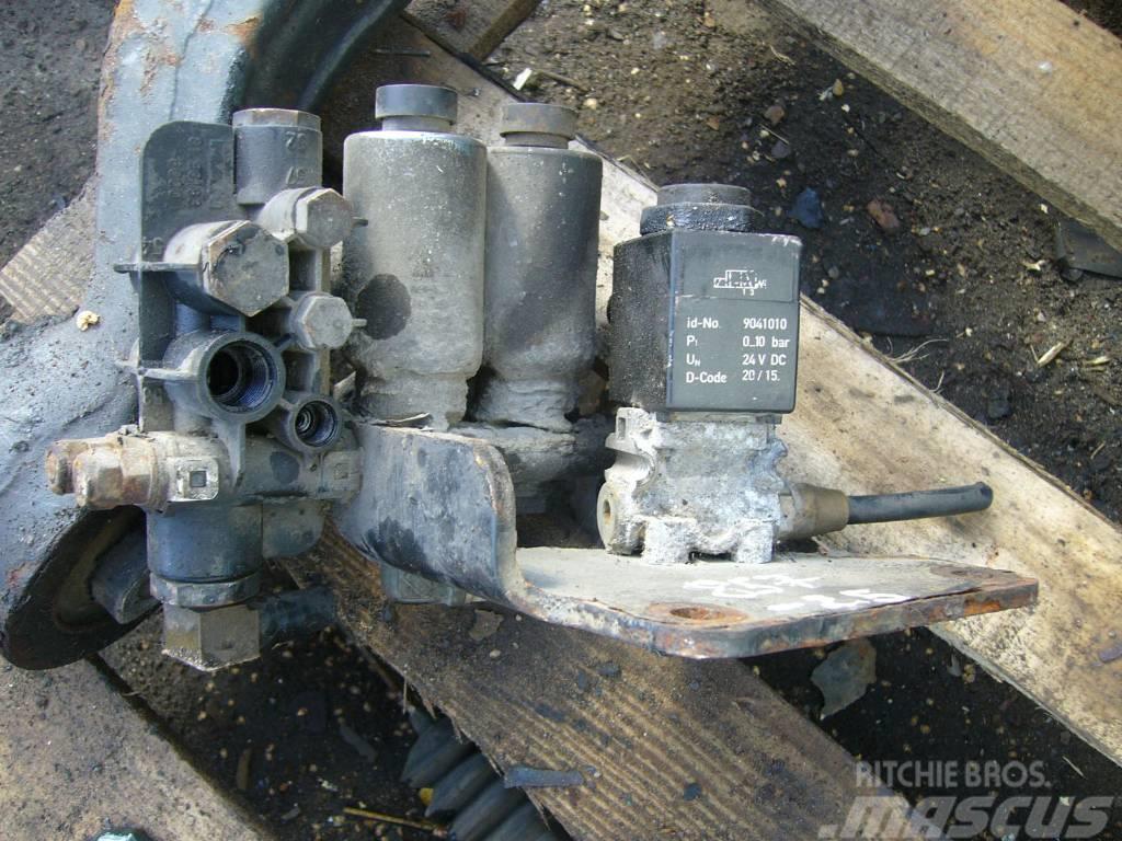 MAN TGA brake force distributor