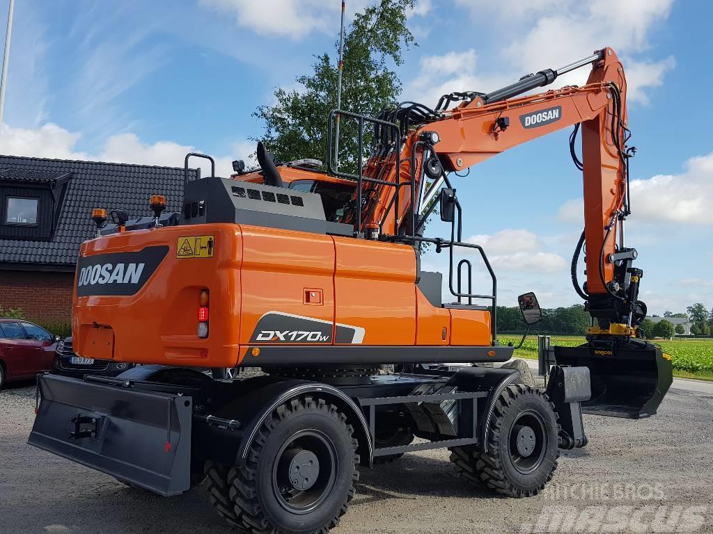 Doosan DX 170 W-5, Fabriksny