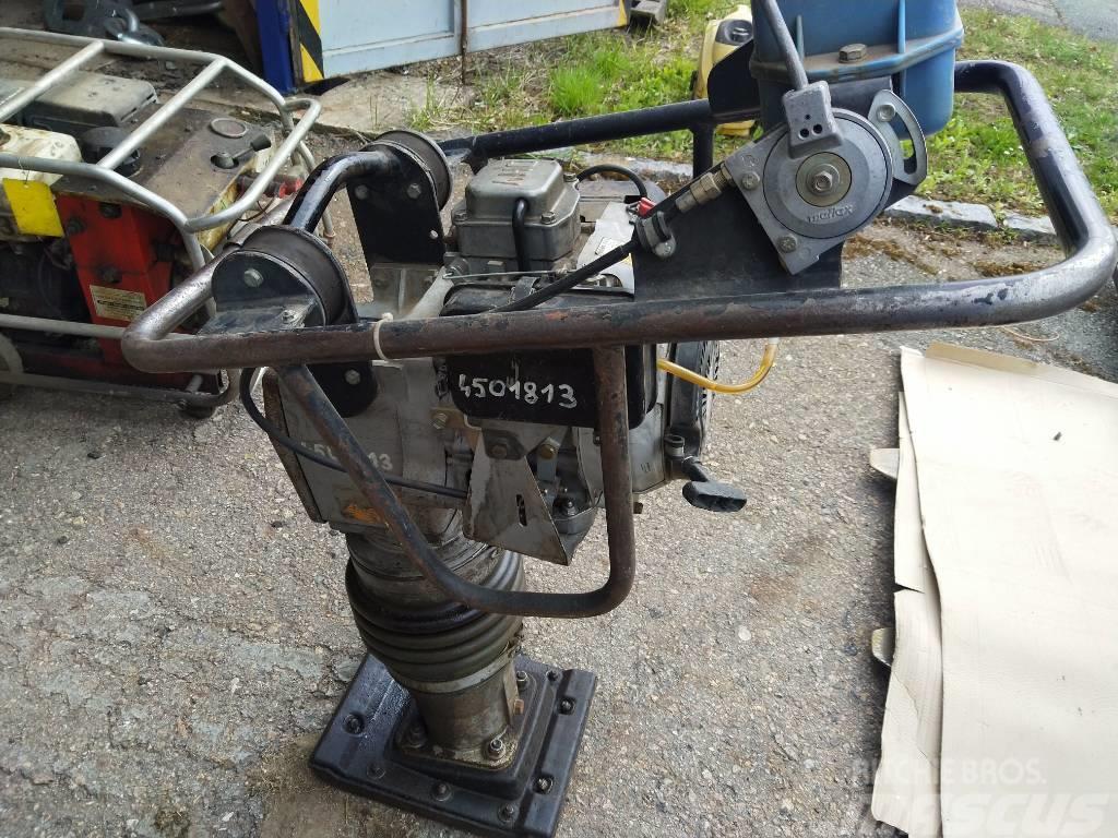 Weber SRV 70