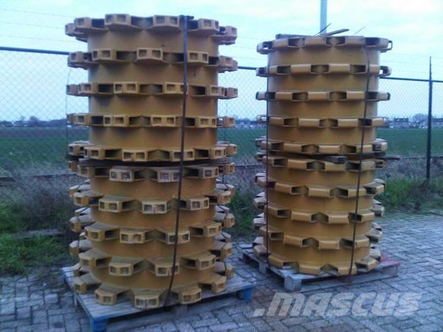 Caterpillar Unused padfoot compactor drums to mount on CAT 815