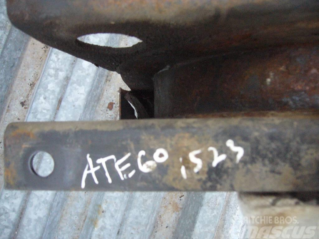 Mercedes-Benz ATEGO 1523 fuel tank bracket