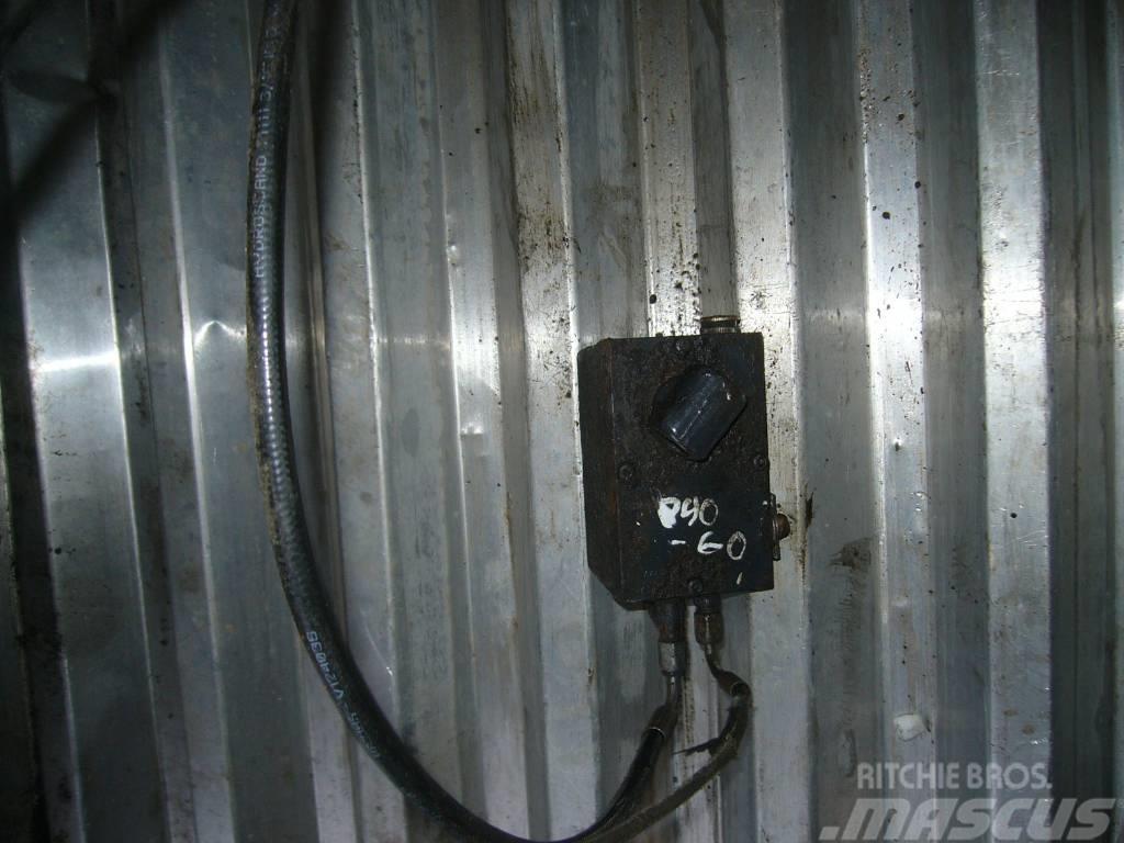 Scania 94 cab lift pump
