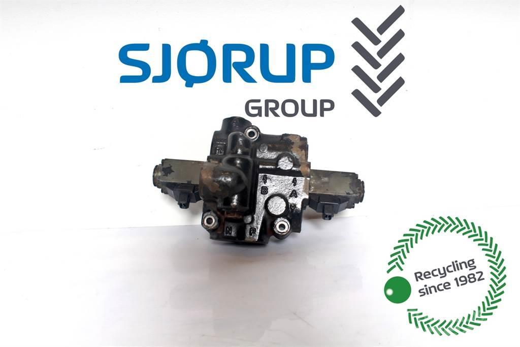 Same Titan 145 Hydraulic lift valve