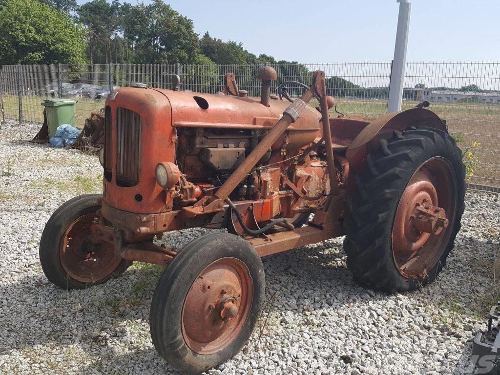 [Other] Traktor Zabytkowy Nuffield, Bawid Brown
