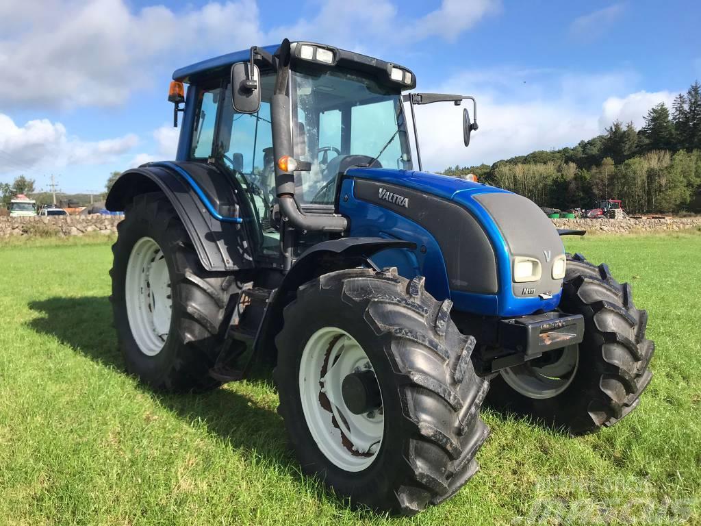 Valtra N111 Tractor