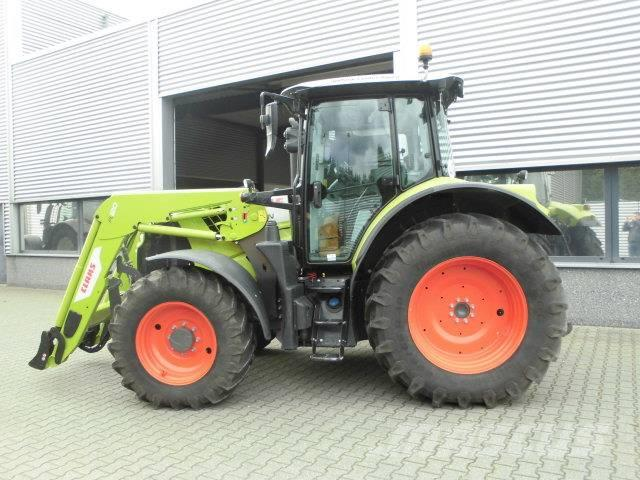 CLAAS Arion 510 C-Matic met frontlader