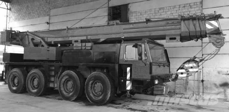 Liebherr LTM 1060