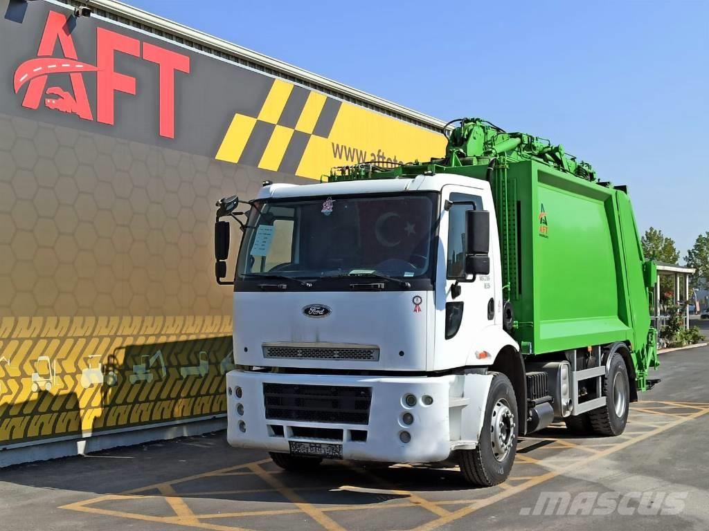 Ford 2012 CARGO 1826 E5 4X2 GARBAGE TRUCK WITH CRANE
