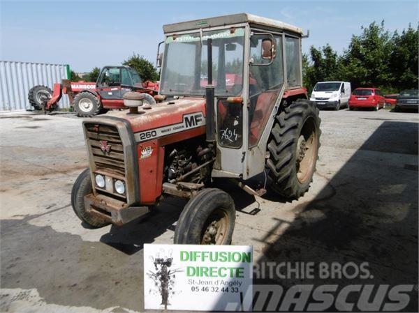 massey ferguson tracteur agricole 260 occasion france prix 3 800 ann e d 39 immatriculation. Black Bedroom Furniture Sets. Home Design Ideas