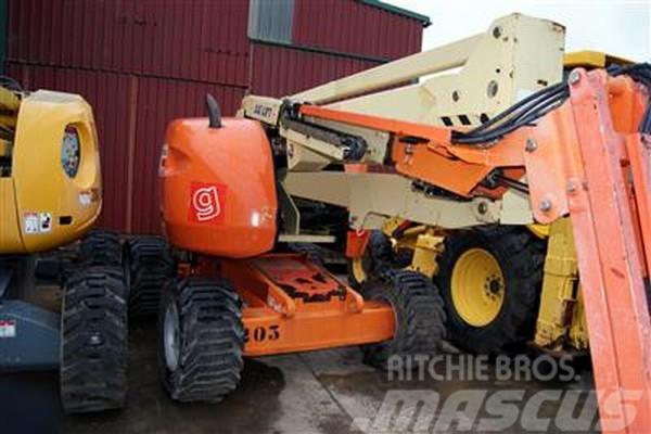 JLG 450 AJ (15 metros)