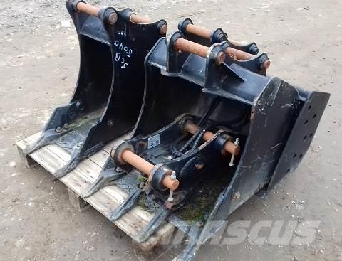 JCB 8040 QUICK HITCH