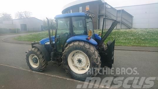 New Holland TD80D, 2006, Traktorer