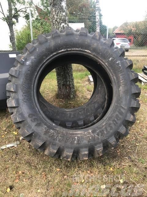 [Other] Däck Trelleborg 520/70B38 Industrial Tractor 459