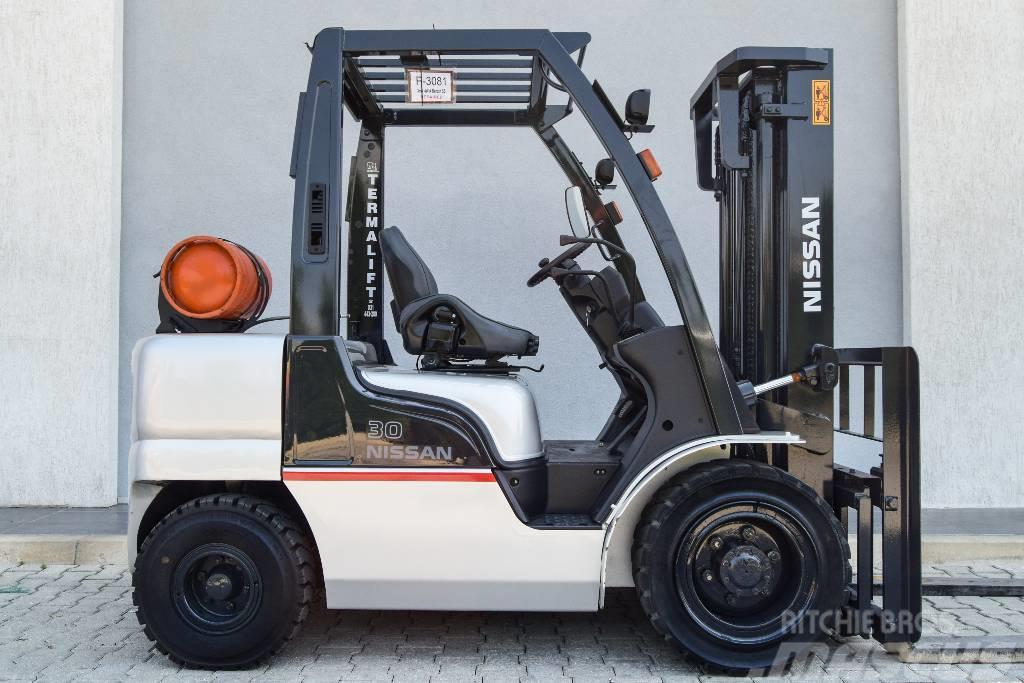 Nissan UGL02A35D
