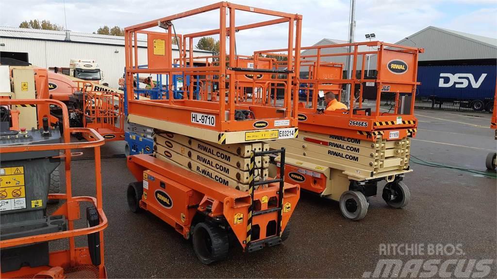Holland Lift HL9710
