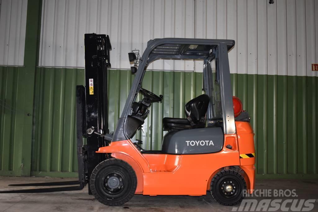 Toyota 42-7 FG F 18