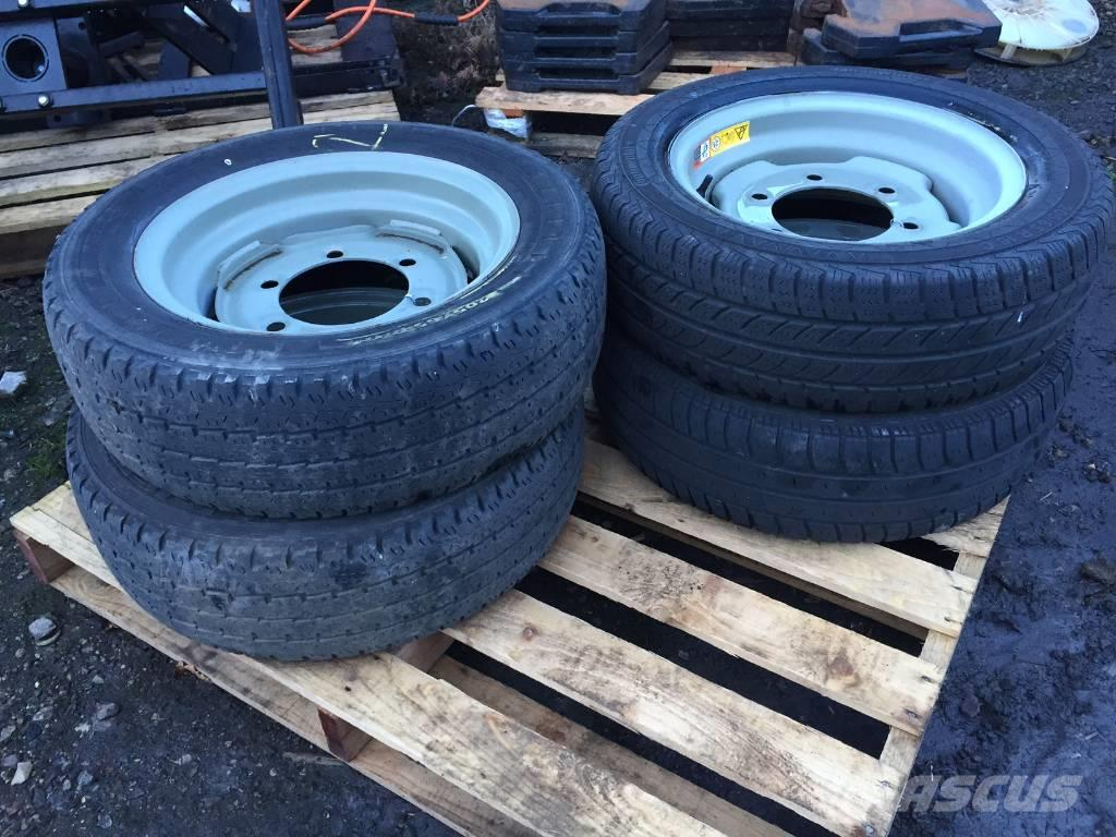 [Other] misc 205/65R160