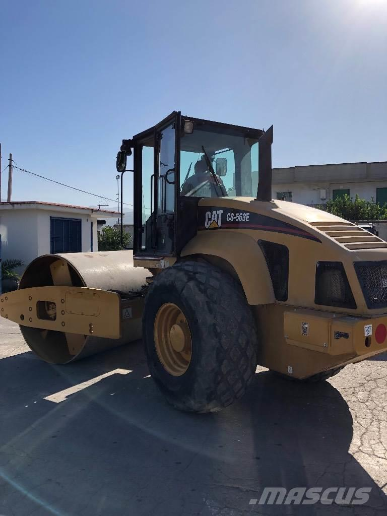 Caterpillar CS 563 E