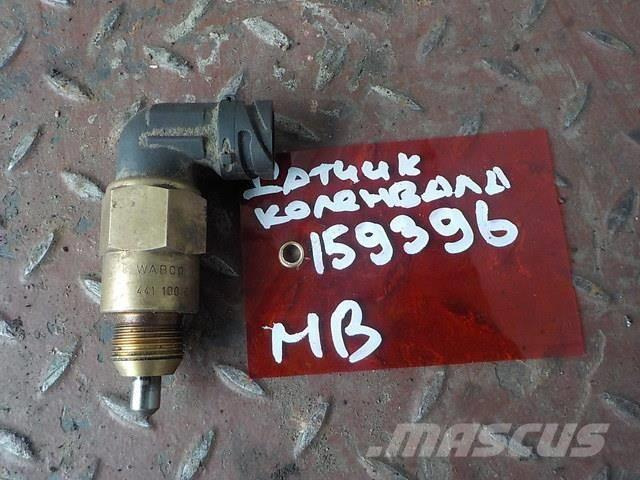 Mercedes-Benz Actros MPIII Crankshaft position sensor 45425018