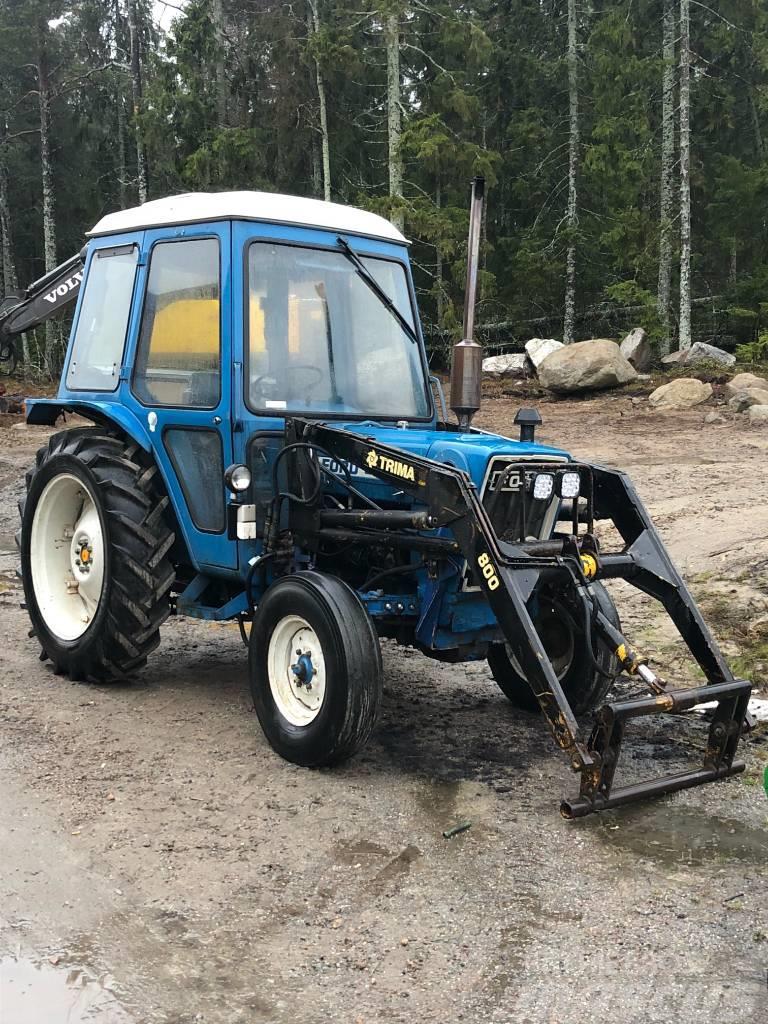 Ford 3600 med trima lastare