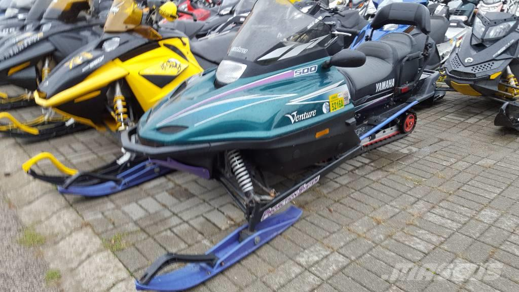Yamaha Venture 500 touring