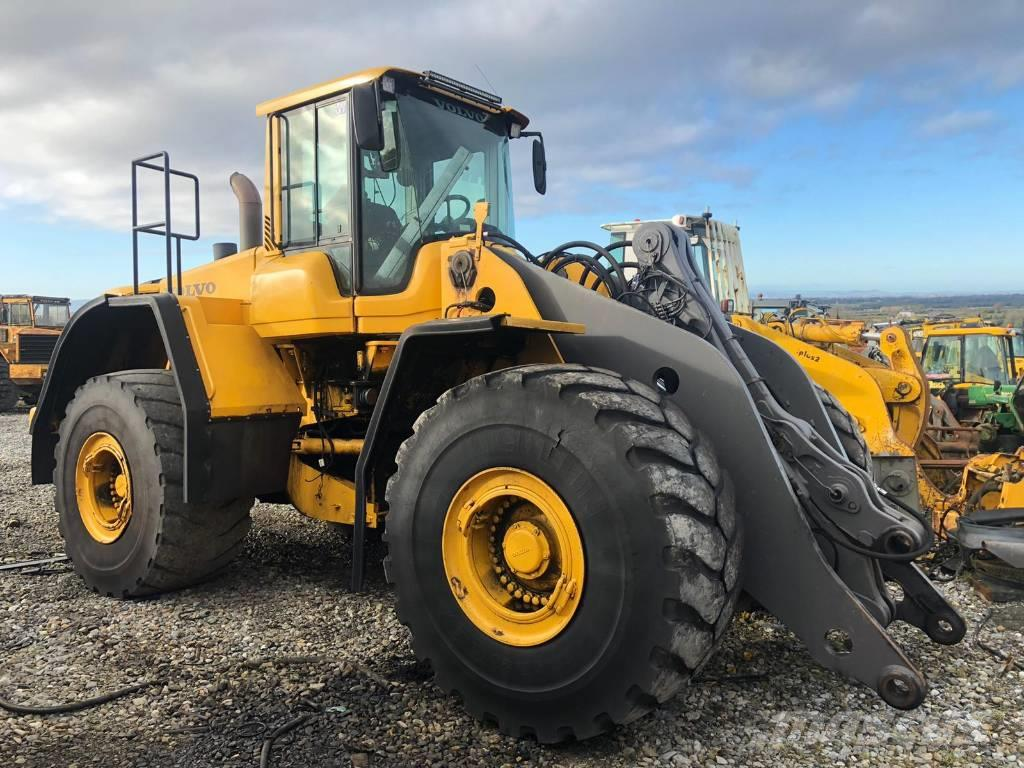 Volvo L220F dismantling for parts only