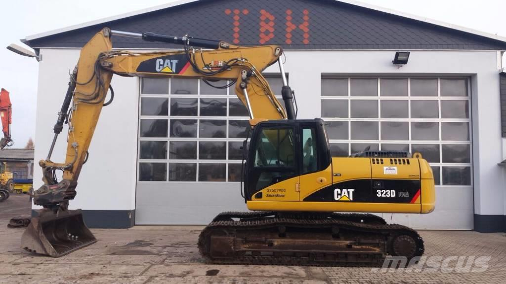 Caterpillar 323 D (optional mit Oilquick OQ 7055)