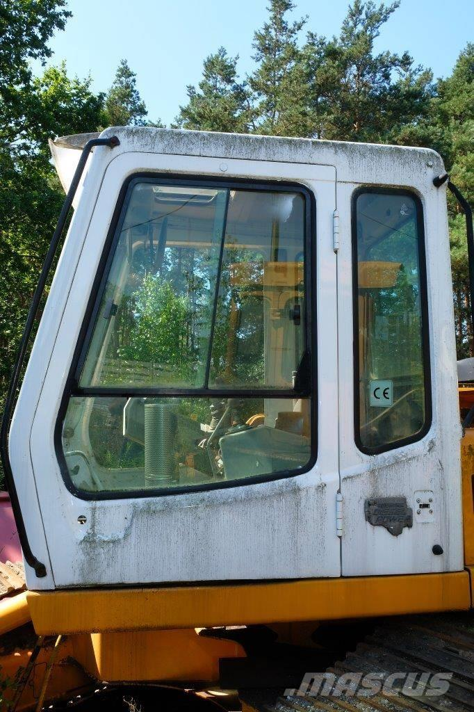 Liebherr 912 kabina