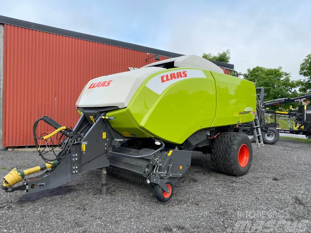 CLAAS Quadrant 4200 RC