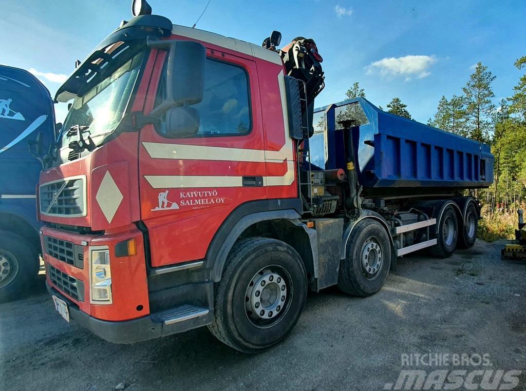 Volvo FM12 420 vaijerilaitteella ja Palfinger-nosturilla