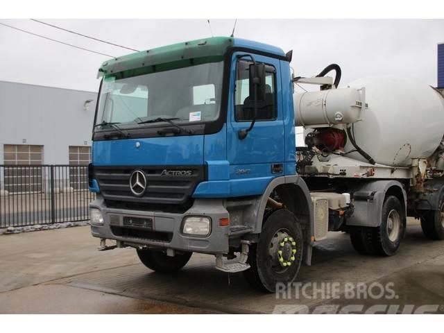 Mercedes-Benz ACTROS 2041 AS MP2 + SEMI LIEBHERR 9M3